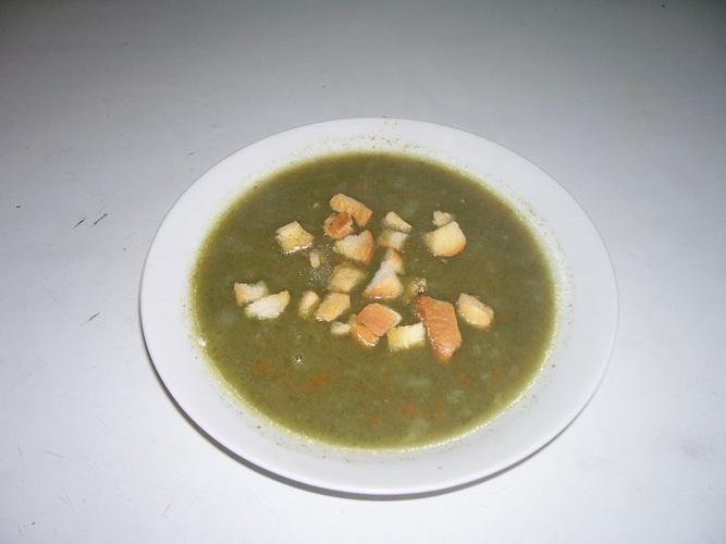 Špenátová polévka s křupinkami